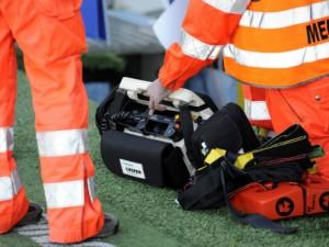 Milano, ferroviere folgorato da scarica a 380 volt: salvato dai colleghi col defibrillatore