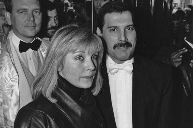 Queen - Brit Award 1990 (Ultima Apparizione Di Freddie Mercury)
