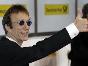 E' morto Robin Gibb, protagonista dei Bee Gees con i suoi due fratelli Barry e Maurice: il successo e il tragico destino.