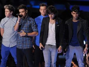 I biglietti per il concerto dell'One Direction Tour 2013 sono disponibili, le date più ambite dai fan italiani sono quelle del 22 e 23 febbraio all'O2 Arena di Londra.