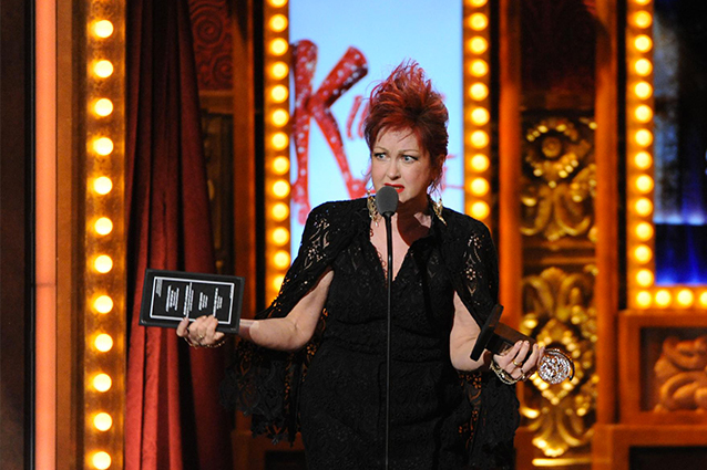Il musical di cyndi lauper vince 6 tony awards for Kinky boots cyndi lauper