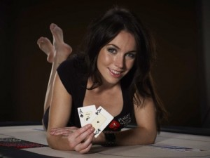 liv-boeree-signs-pokerstars