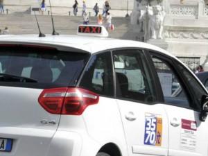 Roma: guida ubriaco ad alta velocità, tassista arrestato sulla Colombo