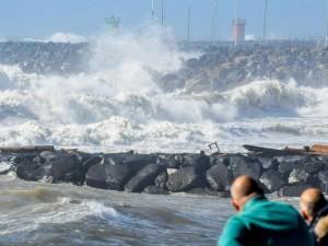Allerta Meteo, a Roma e nel Lazio previsti venti forti di burrasca e mareggiate
