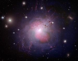 Al centro di ogni galassia potrebbe nascondersi un buco nero: ne abbiamo uno al centro della Via Lattea, e sappiamo essercene un altro nel cuore di Andromeda.