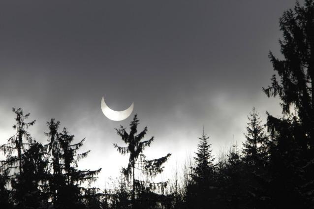 Sole eclissato su Sarajevo, il 4 gennaio del 2011