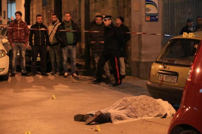 Uccisi due uomini a napoli giornalista del mattino scopre for Il mattino di napoli cronaca