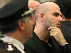 """Salvini minaccia di togliere la scorta a Saviano. Delrio: """"L"""