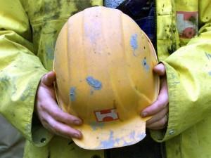 Lavoro: un operaio morto schiacciato a Carrara, un altro ucc