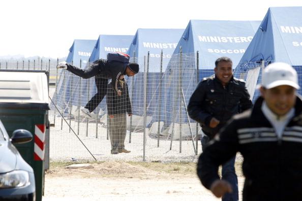 Immigrazione clandestina la lega concede l 39 ok al permesso for Permesso di soggiorno schengen