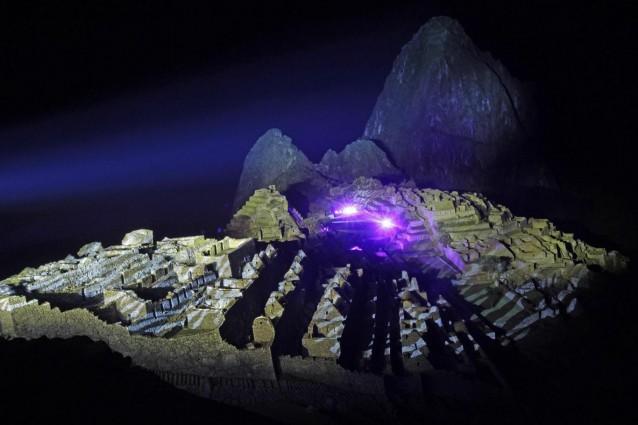 In un'intervista a Libero lo sciamano Quetzasha ha parlato della data indicata dai maya come giorno di cambiamenti epocali