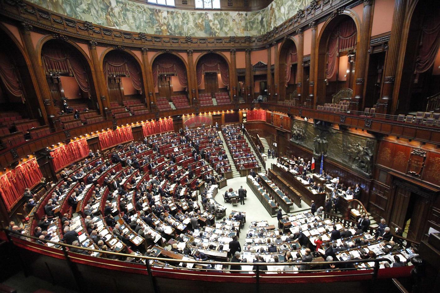 Da luned redditi di senatori e deputati consultabili dai for Camera dei deputati diretta tv