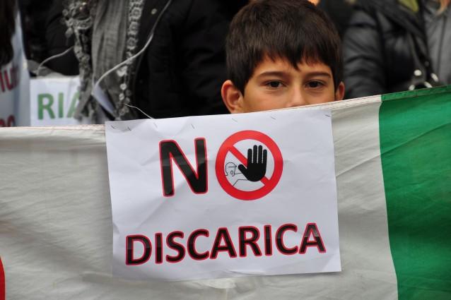 "Emergenza rifiuti: Roma ""Caput Monnezzae"""