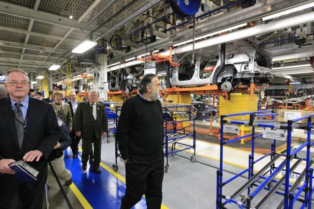 Fiat, Walesa visita impianto Chrysler a Detroit con Marchionne