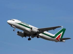 """Alitalia, è Atlantia il quarto partner. Di Maio: """"Ma su revoca concessioni andiamo avanti"""""""
