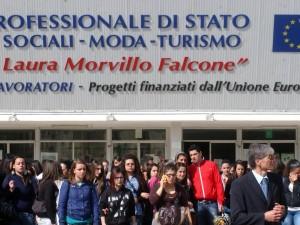 """""""Io no ho paura"""", studenti in corteo a Brindisi per ricordare Melissa"""