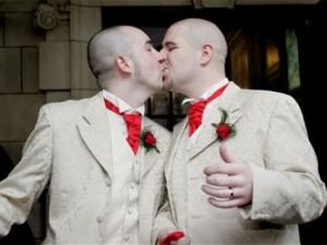 legge omosessuali italia 2016 Taranto