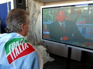 """I fan di Berlusconi in Piazza """"Sognando Forza Italia"""""""