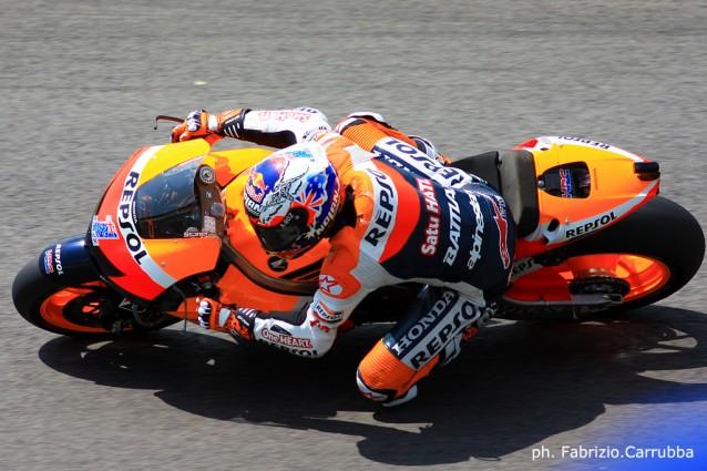 MotoGP: Stoner padrone assoluto di casa e Lorenzo Campione del Mondo