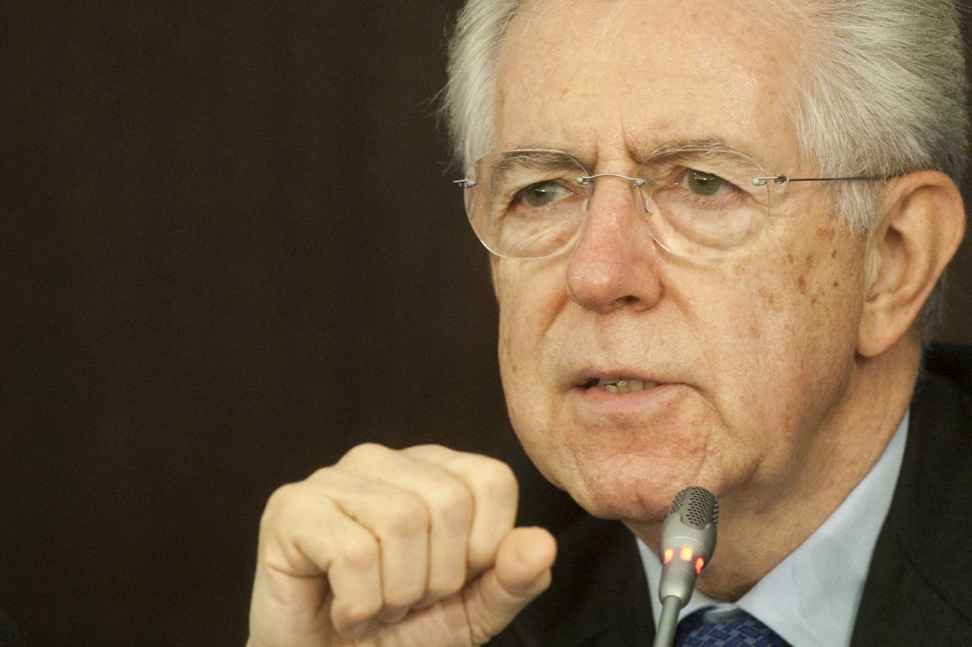 Monti e i centristi al senato lista unica il professore for Senato composizione