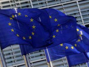 """Manovra, via libera della Commissione Ue: """"Ma attenzione a r"""