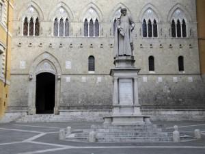 Banche: la Spagna promuove fusioni, l'Italia spera in soluzione per Mps