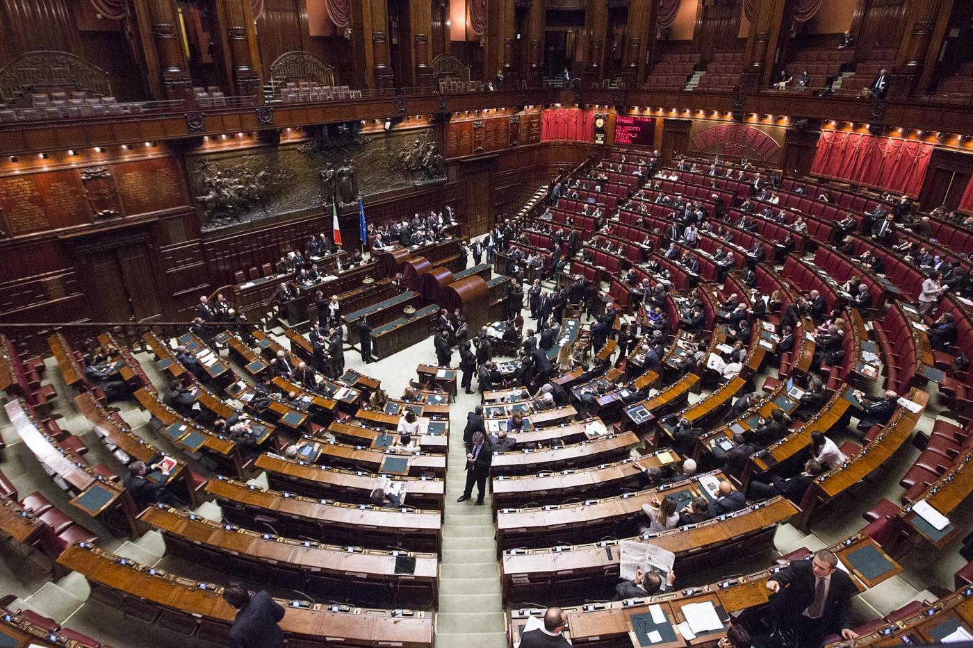 Nell 39 aula di montecitorio nessuno vuole sedersi a destra for Presenze camera deputati