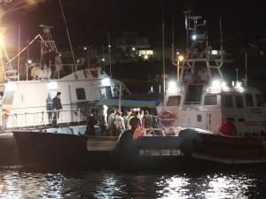 Migranti, 172 persone arrivano nella notte a Lampedusa, socc