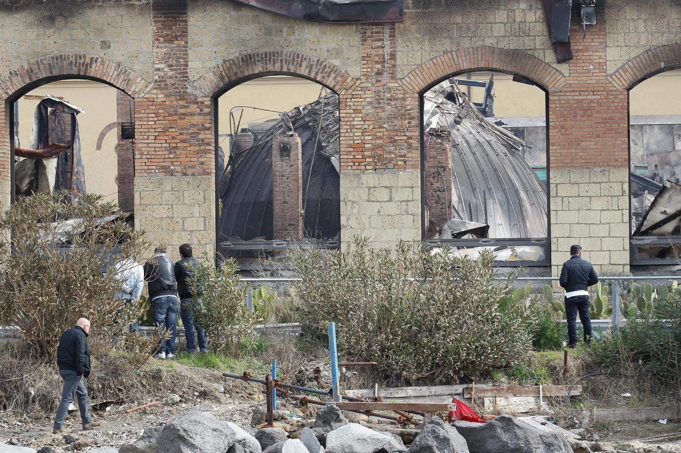 Citt della scienza incendiata i lavoratori andranno in for Struttura politica italiana