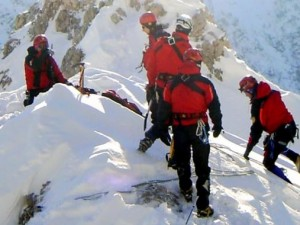 Trentino, slavina si stacca dal Gran Zebrù e travolge alpini