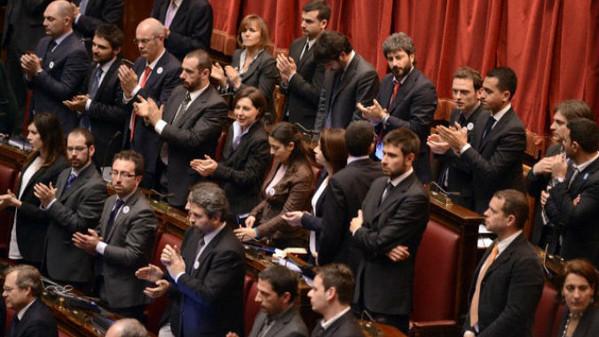 occupy parlamento la protesta dei grillini arriva nella