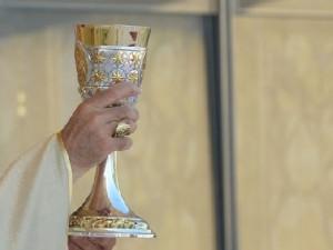 Furti in chiesa a napoli nel giorno della festa la for Arredi sacri milano