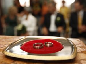 Il 10 aprile 2013 i Radicali italiani hanno depositato in Cassazione sei quesiti referendari tra cui quello sul divorzio breve. Lo scopo del referendum  eliminare i tre anni di separazione obbligatoria prima di chiedere il divorzio.