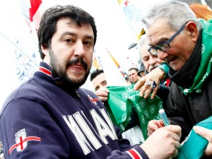 """Salvini: """"I nuovi maiali sono a Bruxelles, smontiamo prefetture UE che non servono a niente"""""""