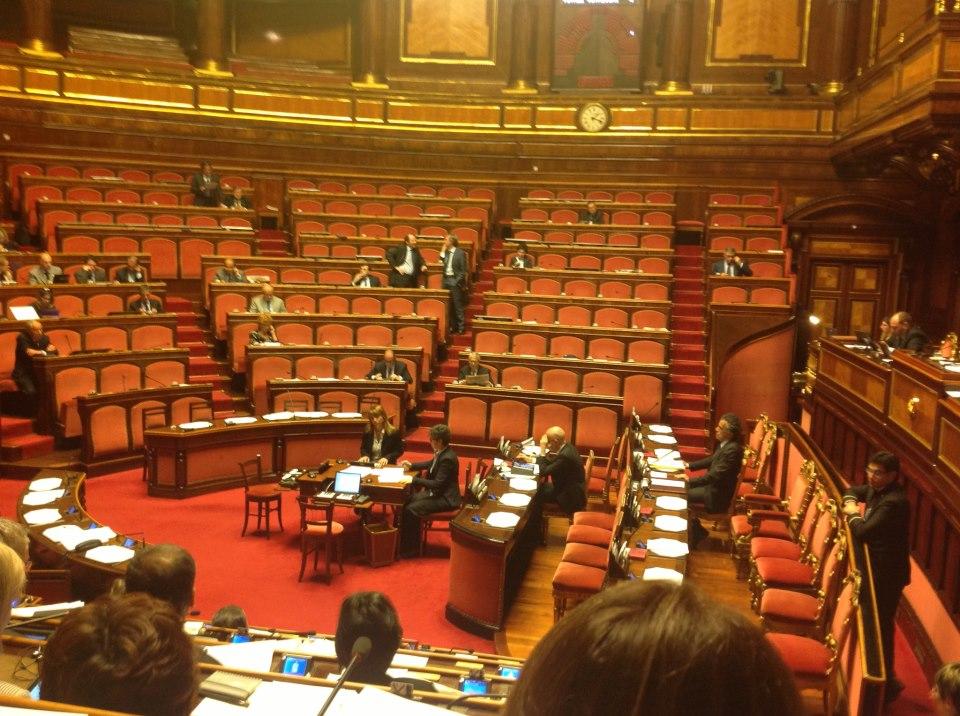 Gli onorevoli assenteisti in parlamento berlusconi e for Repubblica parlamentare italiana