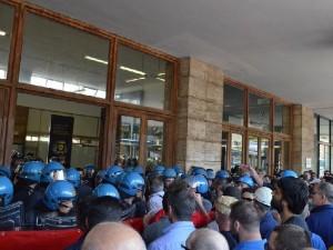 Terni: manganellate al Sindaco, Polizia apre inchiesta interna