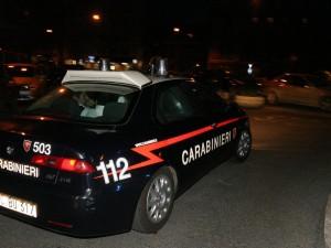 Lite tra vicini di casa nel napoletano: padre e figlio sparano a un 63enne