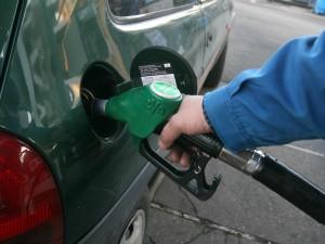 Barletta, benzinaio va a casa senza chiudere l'impianto: in