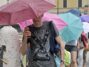 Meteo weekend: temporali, grandinate e temperature in calo