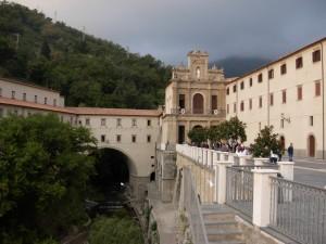 Calabria: frati francescani investono milioni di euro in borsa e perdono tutto | Fanpage