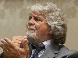 """Anche Paolo Barnard bacchetta Grillo: """"Non hai capito cos'è il debito pubblico"""""""