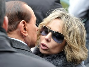 """Marina Berlusconi contro Di Battista: """"Lui non sarà mai nei libri di storia, mio padre sì"""""""