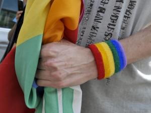 Bologna, coppia allontanata da un ristorante perché gay