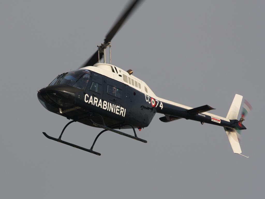Elicottero Quarto : Quarto oggiaro dopo i omicidi maxi blitz in elicottero dei