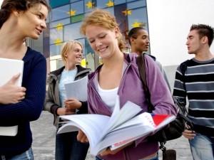 Fare debiti per studiare: quando l'Europa copia la parte peg