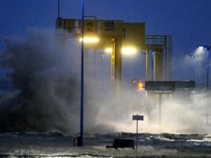 """Tempesta Xaver, è allarme in Europa: """"La peggiore degli ultimi 50 anni"""""""