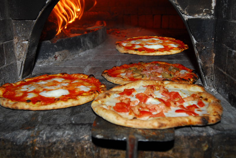 In onda report sui pericoli della pizza video - Pietra refrattaria da forno per pizza ...