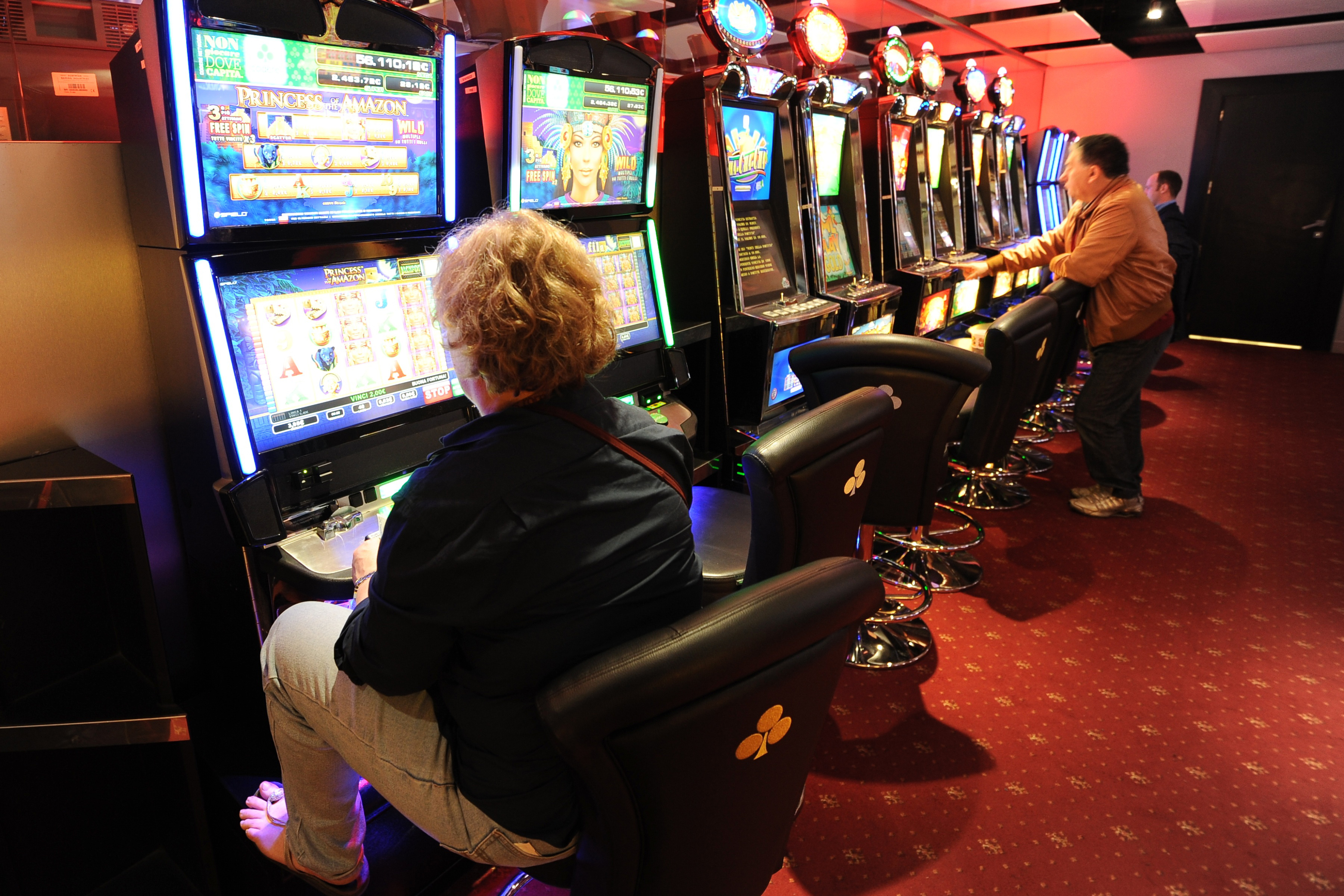 Friuli: nuove dipendenze, l'azzardo colpisce più duramente le donne tra i 50 e i 60 anni
