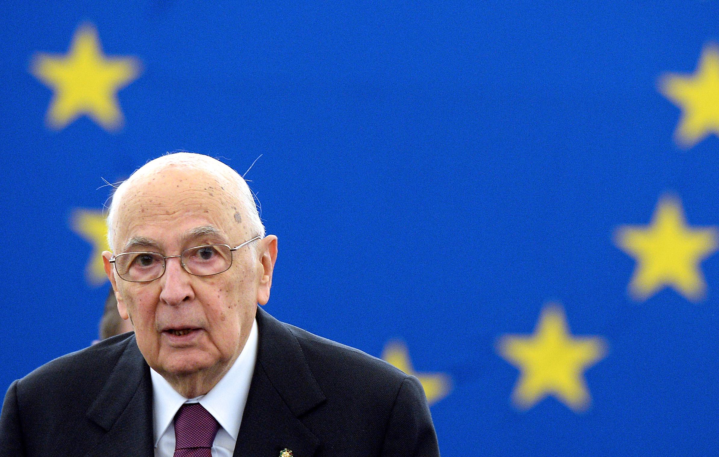 Napolitano al parlamento europeo contestato dai leghisti for Oggi al parlamento