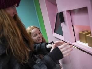 A New York il bancomat che distribuisce dolci al posto di soldi